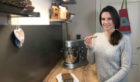 Katrin backt das Mix-Brot