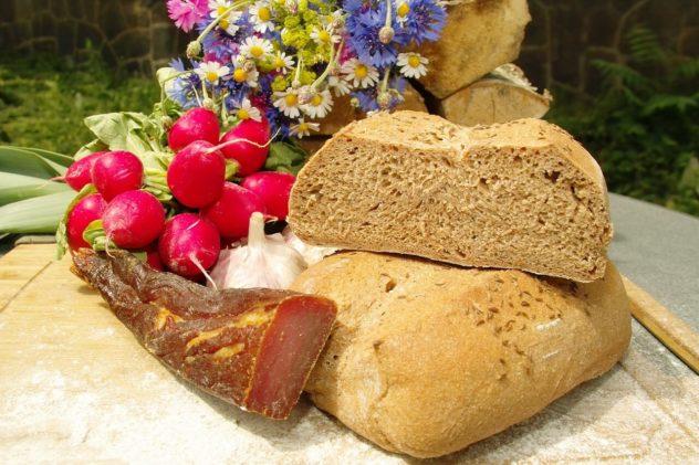 Schnell und einfach Brot selber backen - Dinkelbrot