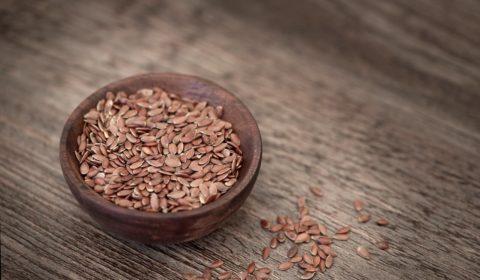 Leinsamen sind ein wichtiger Bestandteil für Brot backen ohne Kohlenhydrate