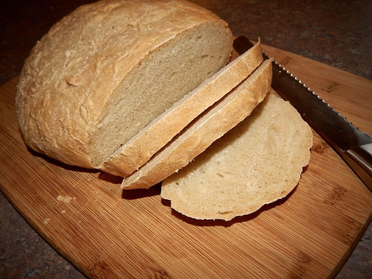 Brot backen mit Trockenhefe inkl. einfaches Rezept für ein ...